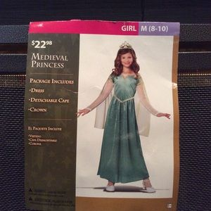 NWT Medieval Princess Costume Size Medieval 8-10